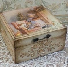 34 Ideas For Woodworking Projects That Sell Benches Toy Boxes - Decoupage Box, Decoupage Vintage, Mdf Christmas Decorations, Shabby Chic Boxes, Cigar Box Crafts, Floral Furniture, Clay Box, Altered Cigar Boxes, Paisley Art