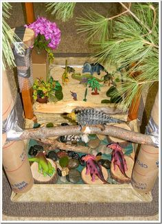 Dinosaur Small World Play (from Casa Maria's Creative Learning Zone) Dinosaurs Preschool, Dinosaur Activities, Dinosaur Crafts, Dinosaur Party, Sensory Activities, Sensory Play, Kindergarten Sensory, Sensory Diet, Children Activities