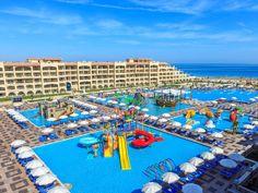 Badespaß für alle, verteilt auf  5 Pools! Das Albatros White Beach liegt direkt am hoteleigenen Sandstrand.