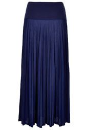 High Waist Pleated Maxi Skirt  Many women feel that maxi skirts are best left for taller fashionistas when in reality they are actually a great way to give the illusion that you're taller than the charts may say. When picking the perfect summer maxi help achieve a visually elongated look. If you have a banana or apple shaped body, try a flared maxi for added shape and balance. Also go with a lightweight fabric in lighter hues for a classically chic ensemble.