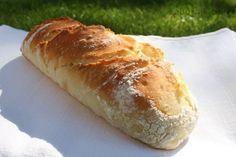 Domácí bagety bez námahy Serbian Recipes, Czech Recipes, Russian Recipes, Bread And Pastries, Bread Rolls, Bread Baking, Food To Make, Hot Dog Buns, Pavlova