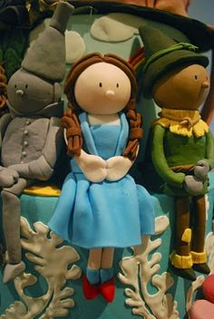 Wizard of Oz cake toppers - adorable