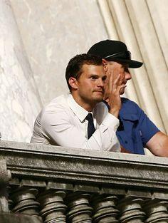 📷 latersmrsgrey: Dakota Johnson & Jamie Dornan on set filming Fifty Shades Freed(July 19) in Paris