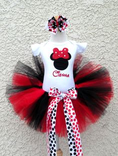 *Girls Minnie Mouse Red and Black Dot Quick Tutu Set