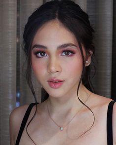 124 best spring makeup look perfect for women – page 1 Filipina Makeup, Filipina Beauty, Make Up Looks, Bridal Makeup, Wedding Makeup, Peach Makeup, Blush Makeup, Formal Makeup, Asian Makeup Prom