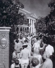 Disney Haunted Mansion Opening day, August 9,1969.