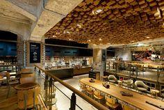 Starbucks'ın Amsterdam'daki yeni konsept mağazası.