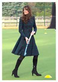 Kate Middleton recycles look she used in 2012 The Duchess of Cambridge showed that . - Kate Middleton recycles look she wore in 2012 The Duchess of Cambridge has shown that a tartan dres - Kate Middleton Outfits, Style Kate Middleton, Kate Middleton Photos, Kate Middleton Fashion, Alexander Mcqueen Kleider, Royal Fashion, Fashion Photo, Style Fashion, Fashion Clothes