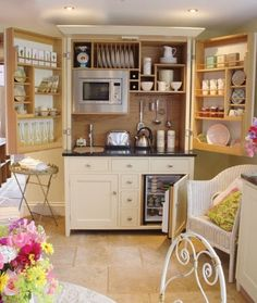 23 Ways to make your tiny apartment feel bigger. #Kitchen #Cupboard