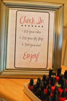 spa party ideas for girls birthday | Visit savvylittlewomen.blogspot.com