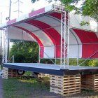 When building a stage canopy for the Pepper Stage at the Cumberland Rutabaga Festival, Michael B. turned to Kee Klamp pipe fittings to help him complete the structure. The structural pipe. Canopy Swing, Pvc Canopy, Hotel Canopy, Window Canopy, Canopy Curtains, Canopy Bedroom, Backyard Canopy, Garden Canopy, Fabric Canopy