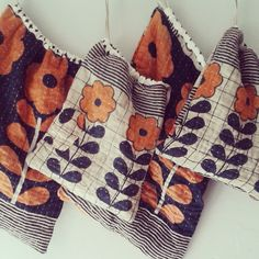 Roxy Creations: Drawstring bag love. My mom called these ditty bags.