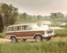 // 1975 Jeep Wagoneer