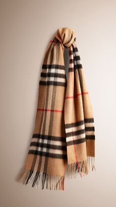 The Classic Cashmere Scarf in Heritage Check Camel Check | Burberry