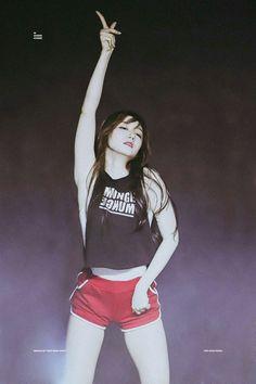 PLEDIS GIRLZ - Kim MinKyung #김민경 #민경 160729 #플레디스걸즈 Pristin Roa, Kim Min Kyung, Pledis Girlz, Korean Wave, Pledis Entertainment, Sexy Asian Girls, Asian Woman, Kpop Girls, Poses