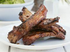 Gegrillte Spareribs ist ein Rezept mit frischen Zutaten aus der Kategorie Schwein. Probieren Sie dieses und weitere Rezepte von EAT SMARTER!
