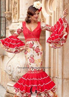 Flamenco Dancers, Flamenco Dresses, Spanish Fashion, Spanish Style, Costumes Around The World, Spanish Culture, Fishtail, Indian, Formal Dresses