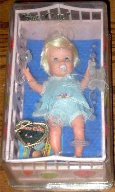 TOPPER: 1963 Suzy Cute with Crib #Vintage #Toys