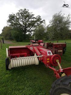 Antique Tractors, Antique Cars, Yandex, Tractor Implements, Baler, Farmall Tractors, Red Tractor, Ford Maverick, Farm Toys