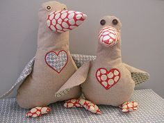 Lucy Goosey Sewing Pattern: Free pattern for an adorable stuffed goose!