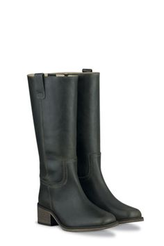 Knee-high boots fit for all calf sizes, without sacrificing style