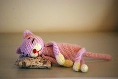 Amineko Crocheted Cat and other crocheted toys for babies - all free patterns! On mooglyblog.com