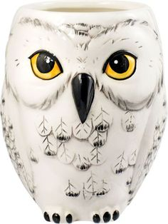 This Harry Potter Hedwig mug is the perfect way to sip your coffee or tea and pretend you're a student at Hogwarts!  Made of ceramic  Shaped like Hedwig...