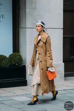 Julia Haghjou by STYLEDUMONDE Street Style Fashion Photography FW18 20180218_48A1344