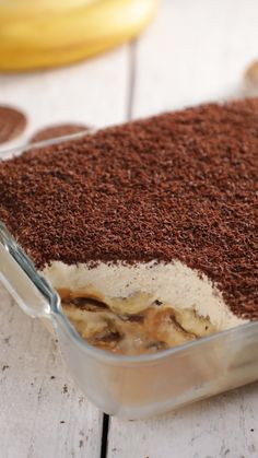 Banoffee Pudding We know you love your banoffee pie but wouldn't you rather have it in a pudding? With layers of digestive thins and custard, this dessert will satisfy all of your sweet cravings. Banoffee Pie, British Desserts, Indian Dessert Recipes, Tasty Dessert Recipes, Indian Recipes, Pudding Recipes, Pudding Desserts, Easy Desserts, Gourmet Desserts