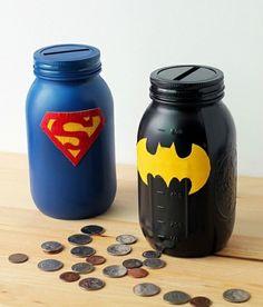 que faire avec des pots en verre, bocaux peints, superman, batman