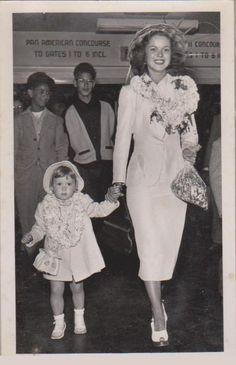 1950 Shirley Temple & Linda Susan returning from Hawaii