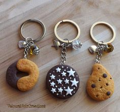 Keychains cookies polymer clay pan di stelle abbracci gocciole by Velours Noir Crèations, 10,00 € su misshobby.com