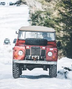 Land Rover (Series & Defenders) and more stuff I like. Landrover Defender, Land Rovers, Land Rover Models, Land Rover Series 3, Land Rover Freelander, Range Rover Classic, Expedition Vehicle, Jeep 4x4, Off Road