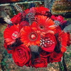 Rockabilly wedding bouquet of roses, gerberas, net , lace and buttons