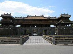 Objek-Wisata-Ngo-Mon-Gate-Citadel-Vietnam
