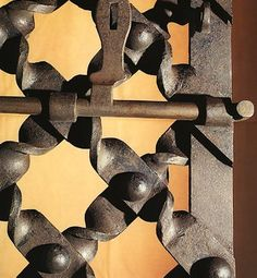 Antonio Gaudi, Metalarte, Wall Unit Designs, Grill Door Design, Wrought Iron Doors, Forging Metal, Iron Art, Forged Steel, Pattern And Decoration