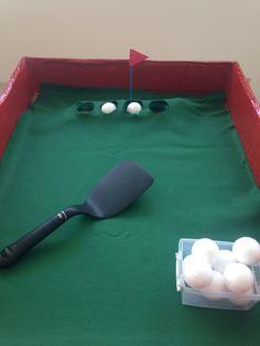 Jogando golfe Atividade montessoriana
