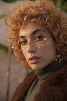 Makeup Ideas For Black Women With Glasses Fashion Design Inspiration, Mode Inspiration, Character Inspiration, Black Women Fashion, Look Fashion, Womens Fashion, Fashion Tips, Fashion Face, Steampunk Fashion