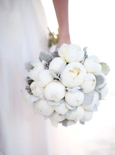 Simply elegant white peonies.. more proof that this flower can be your wedding day's best friend!