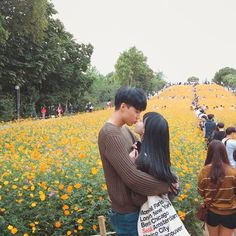 Image about love in ulzzang//asian//couples by sunshineboyjimin Ulzzang Couple, Ulzzang Girl, Asian Love, Asian Girl, Couple Goals Cuddling, Korean Couple, Couple Relationship, Cute Couples Goals, Poses