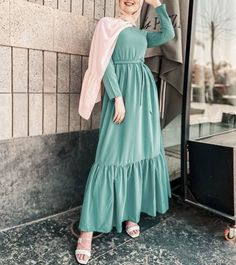Fashion Tips Plus Size .Fashion Tips Plus Size Modest Fashion Hijab, Hijab Style Dress, Stylish Hijab, Modern Hijab Fashion, Street Hijab Fashion, Abaya Fashion, Muslim Fashion, Fashion Wear, Fashion Dresses
