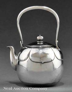 Japanese silver teapot, Meiji period