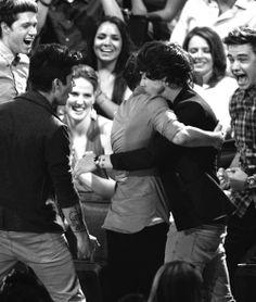 Larry <3 Btw Liams face is hilarious