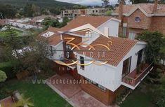 Casa en San Jose de Bavaria Bogotá Bavaria, House Styles, Outdoor Decor, Home Decor, Style At Home, Houses, Real Estate, Decoration Home, Room Decor