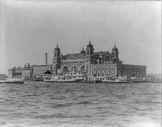 Ellis Island Immigrants 1900 | The second Ellis Island Immigration Station, in 1905. A previous ...