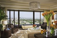 Beverly Wilshire, A Four Seasons Hotel, offers the most impressive Penthouse Suite in LA featuring three bedrooms, a patio and a wraparound terrace. Beverly Wilshire, Beverly Hills, Design Lounge, Hotel Bel Air, Hollywood Hotel, Luxury Collection Hotels, Penthouse Suite, Austin Homes, Spacious Living Room