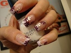 Plum & White Flowers Over Clear Polish + Pale Pink French Tips French Nail Art, French Nail Designs, French Tip Nails, Cool Nail Designs, Plum Nails, Pretty Nails, Pedicure, White Flowers, Hair And Nails