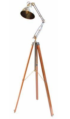 Manhattan tripod brass lamp