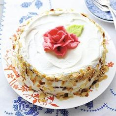 Slagroomtaart met roos, hapje,10 personen,oven,[Allerhande 04 2012]