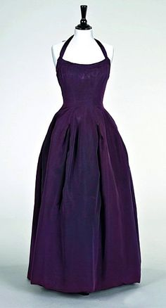 A Christian Dior aubergine faille ball gown, Muguet collection, Spring-Summer 1954 , look familiar? Vintage Fashion 1950s, Vintage Dior, Christian Dior Vintage, Vintage Gowns, Vintage Couture, Vintage Outfits, 50s Dresses, Pretty Dresses, Beautiful Dresses